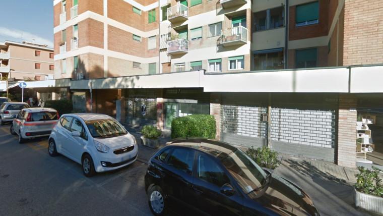 Negozio / Ufficio, Via Pietro Borgognoni  (PT)