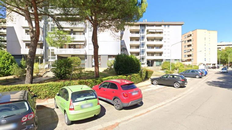 Negozi / Uffici, Via delle Caravelle  (PG)